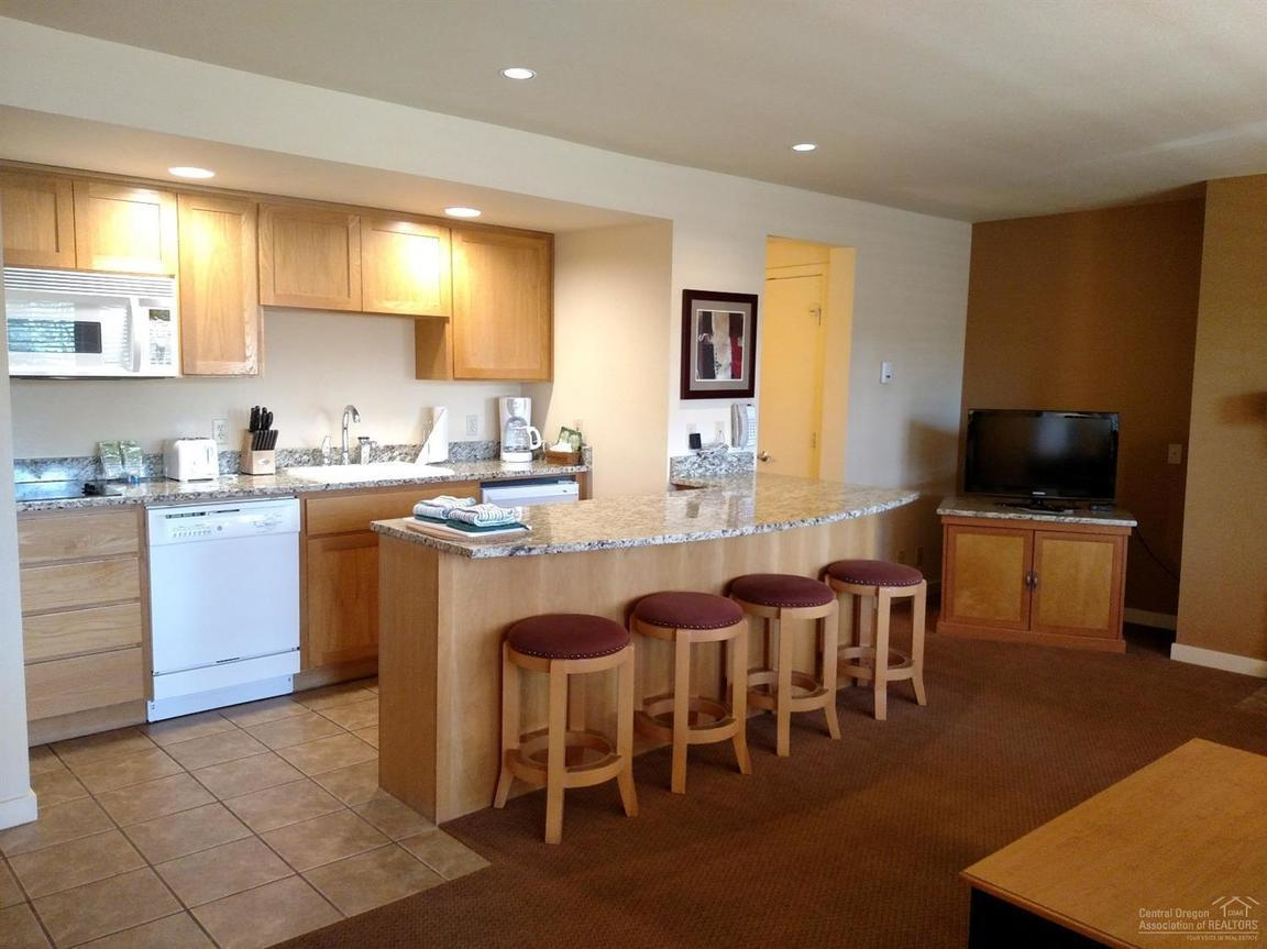 18575 SOUTHWEST CENTURY DRIVE UNIT: 1317E Bend OR 97702 id-953650 homes for sale