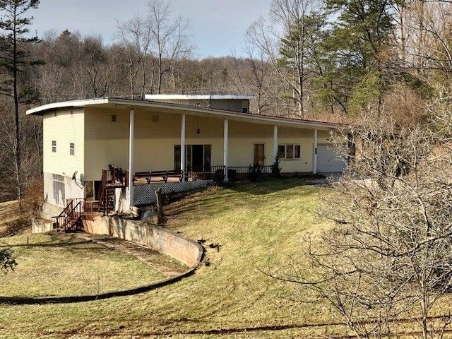 1922 RIPLEY ROAD Spencer WV 25276 id-1071396 homes for sale