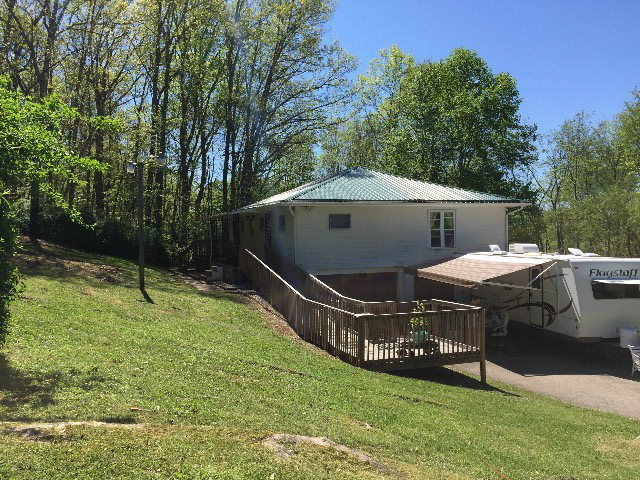 7251 BLACK OAK ROAD Rock WV 24747 id-856678 homes for sale