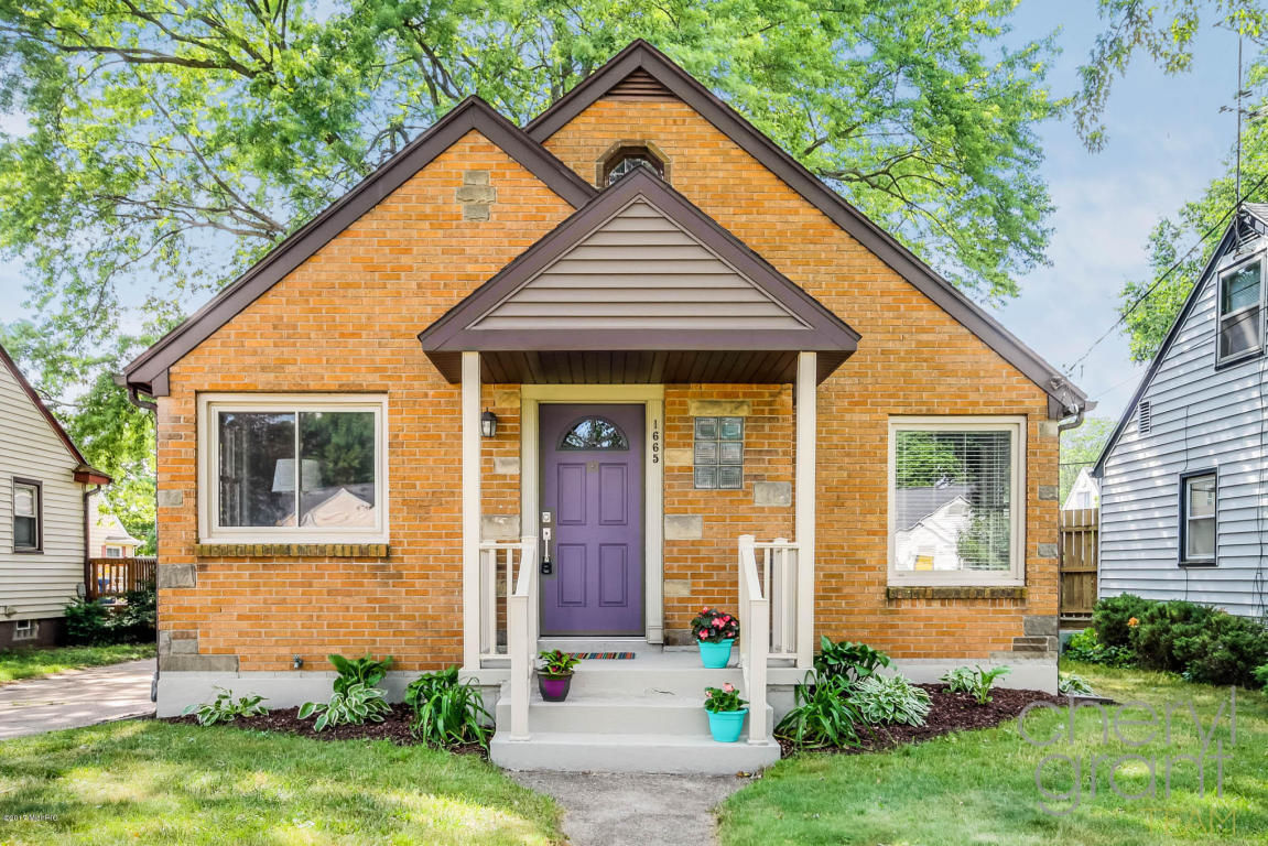 Home For Sale On Fremont Ave