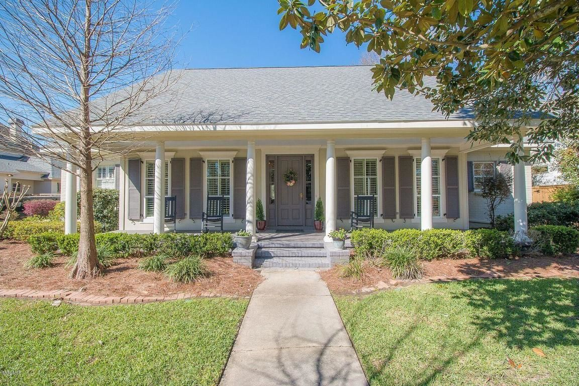 Homes For Sale In The Neighborhood Of Bayou Oaks In