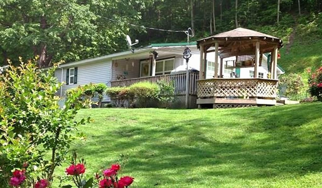 88 100 OLD POSSUM ROAD Raccoon KY 41557 id-306957 homes for sale