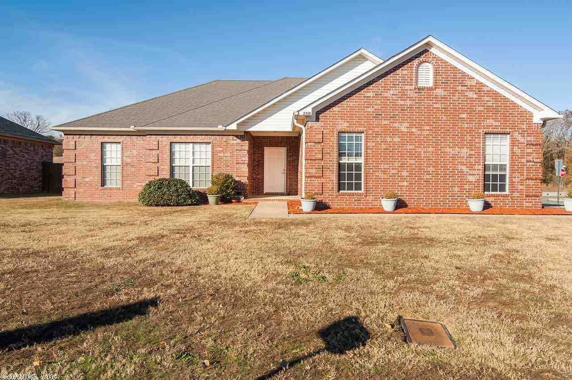 2510 APPLE BLOSSOM LANE. Conway AR ...