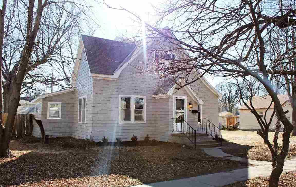 709 E 9TH AVE Winfield KS 67156 id-562319 homes for sale