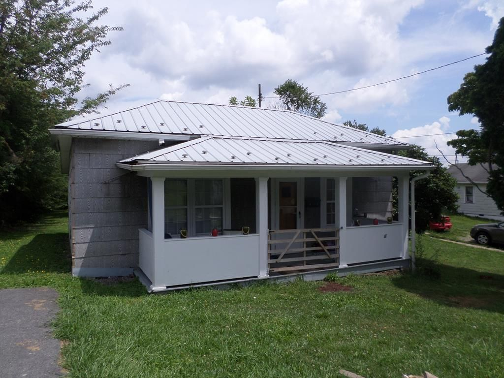 515 TEMPLE STREET Beckley WV 25801 id-855729 homes for sale