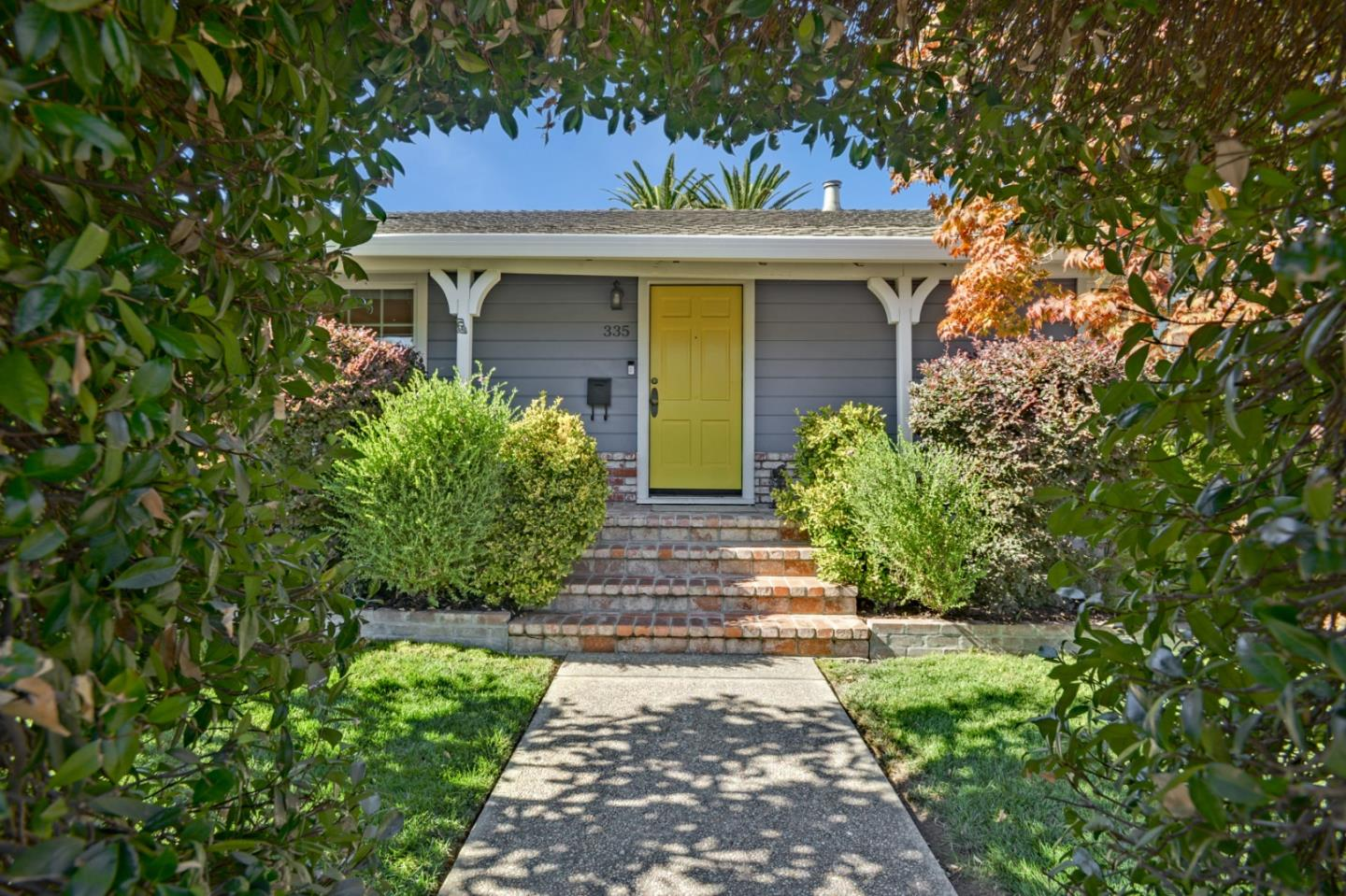 Refinished 2-Bedroom House In Centennial