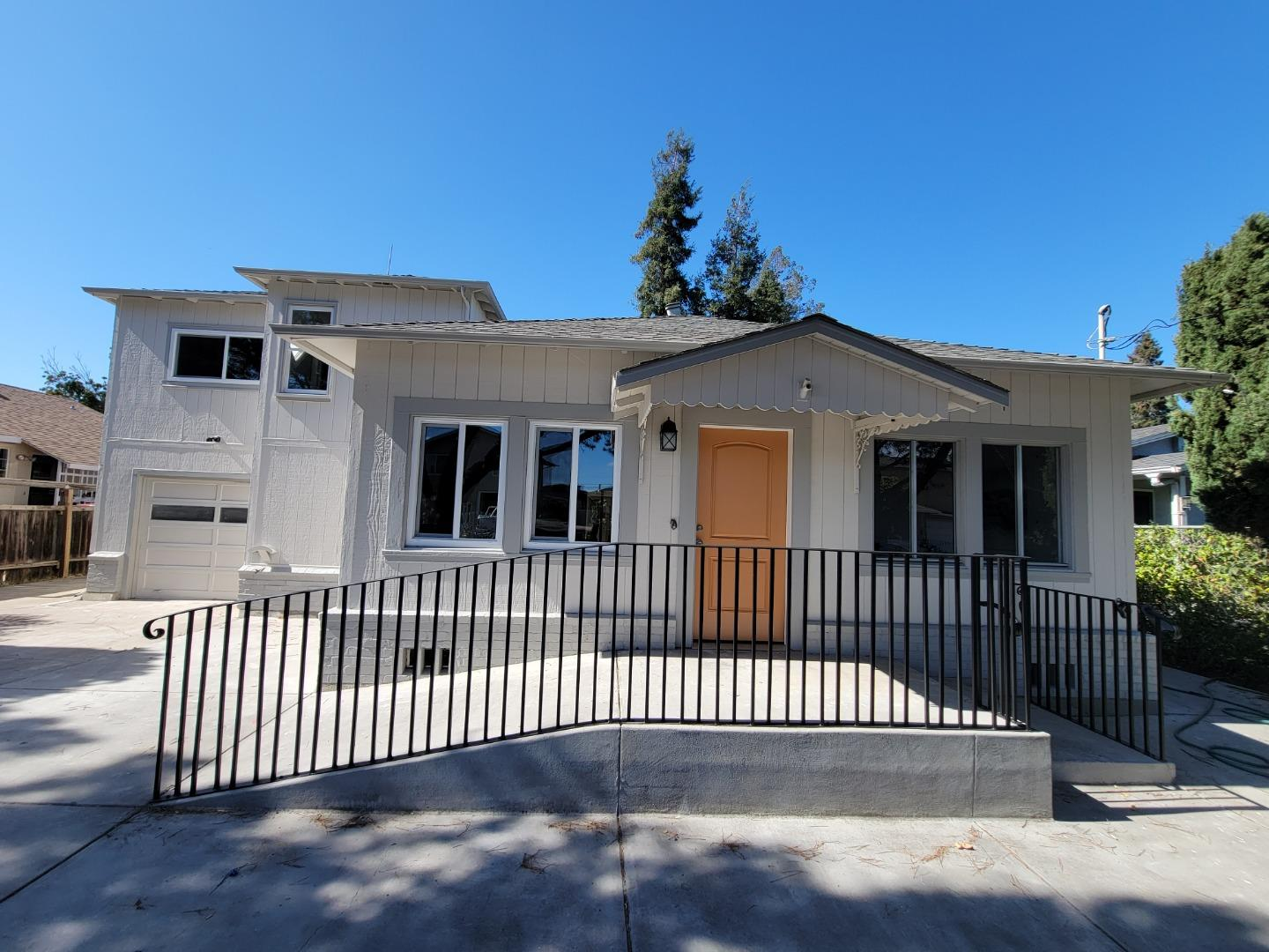 Updated 3-Bedroom House In North Fair Oaks