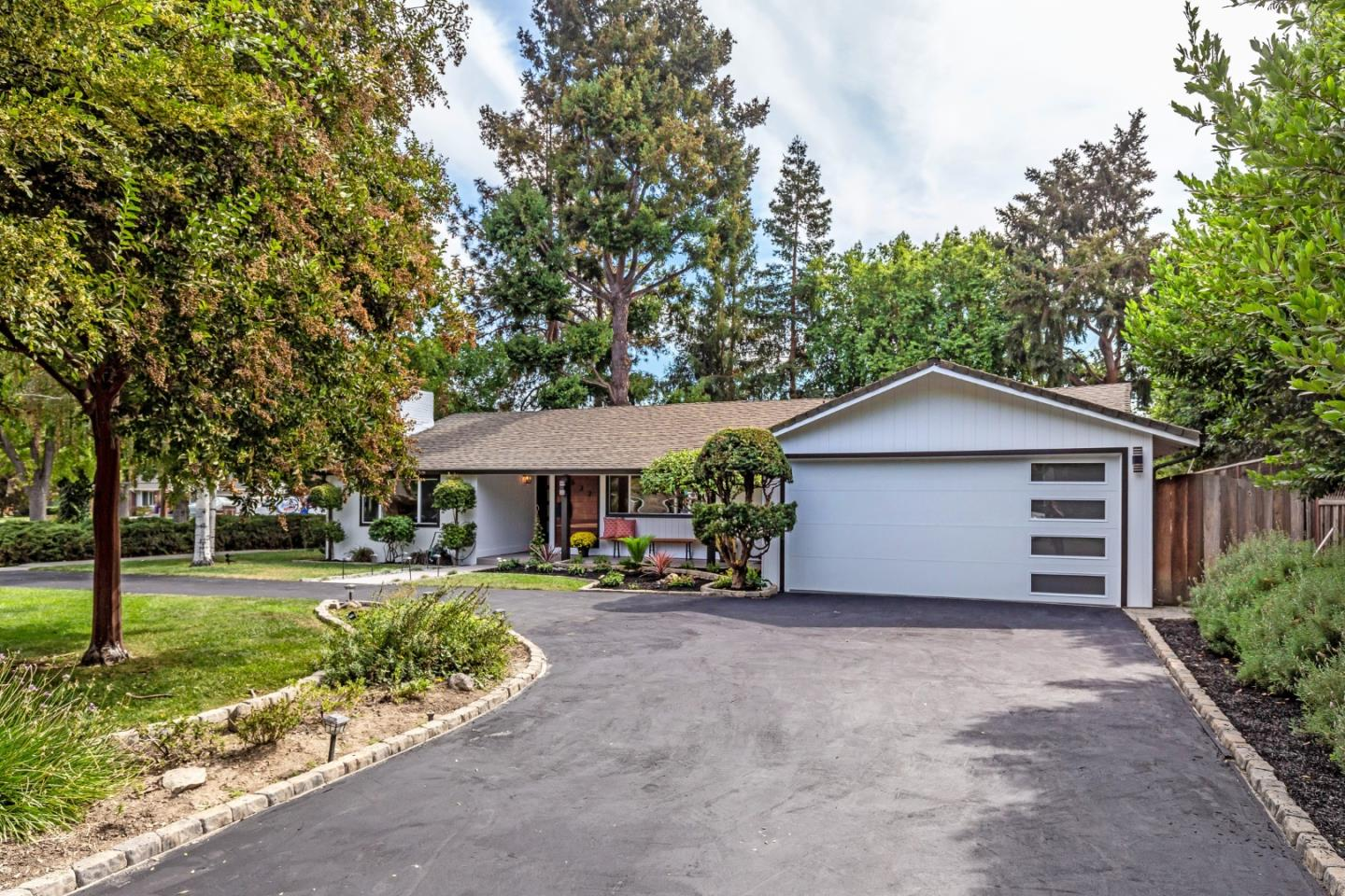 Updated 4-Bedroom House In Willow Glen South Lincoln Glen