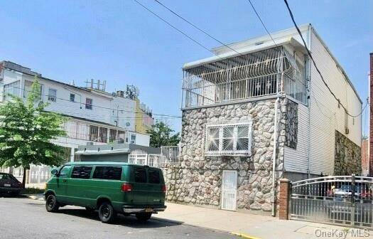 Renovated 7-Bedroom House In Clason Point