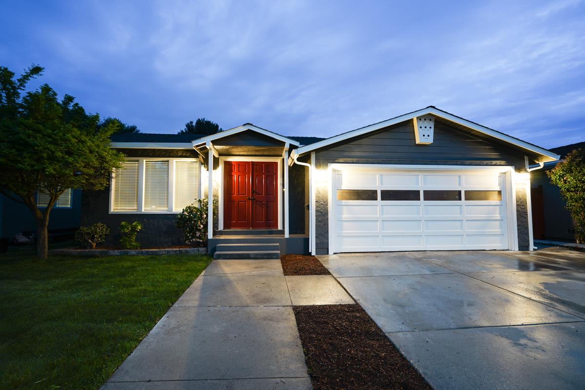 Updated 4-Bedroom House In Palm Park