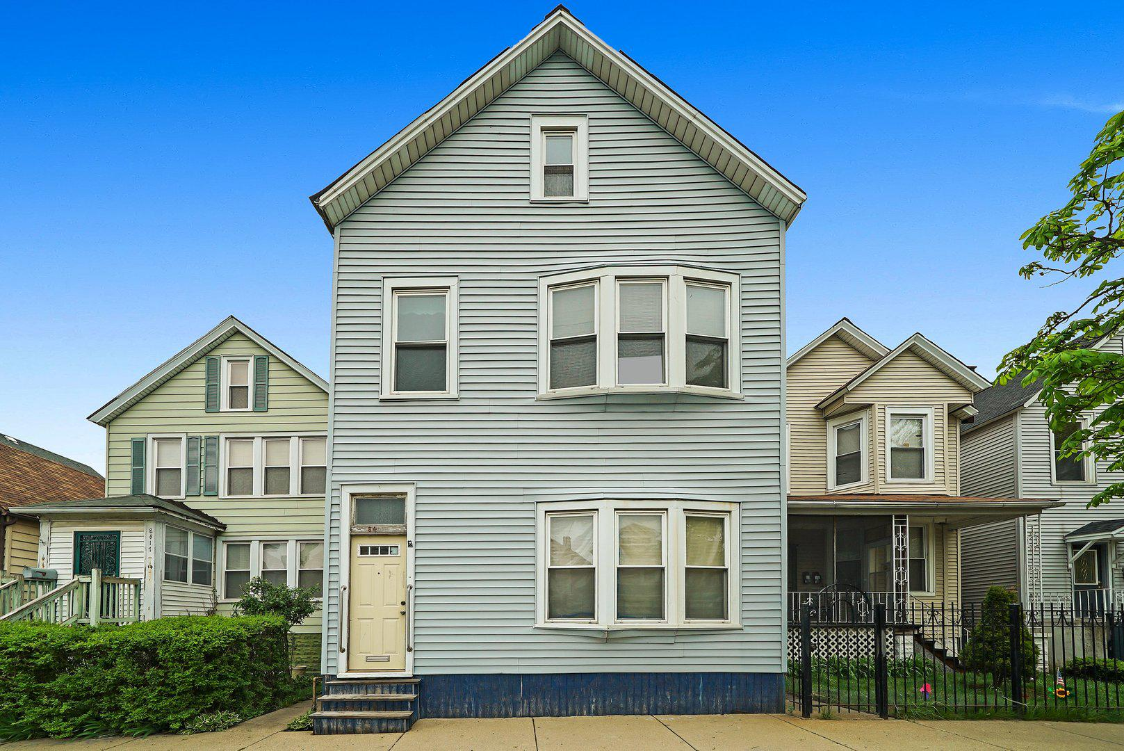 Multi-Family Home In South Chicago
