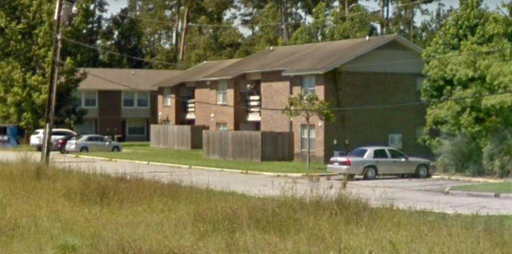 1-Bedroom House In Pine Woods Apartments
