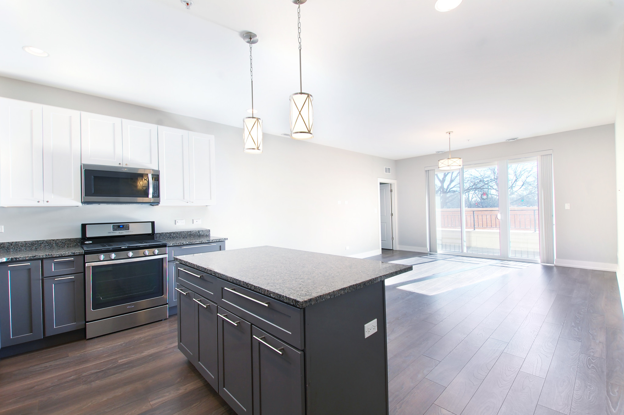 2-Bedroom House In Downtown Glenview