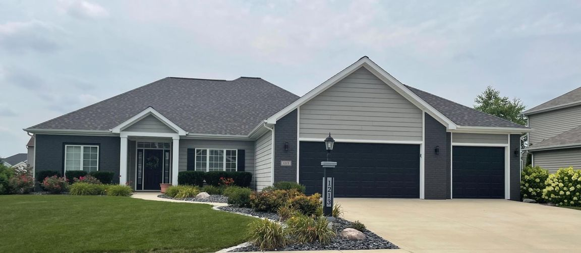 2094 SqFt House In Sycamore Lakes