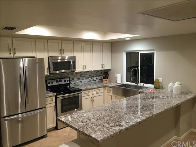 Remodeled 2-Bedroom Condo In South Palm Desert