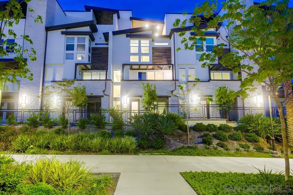3-Story Condo In Mission Valley