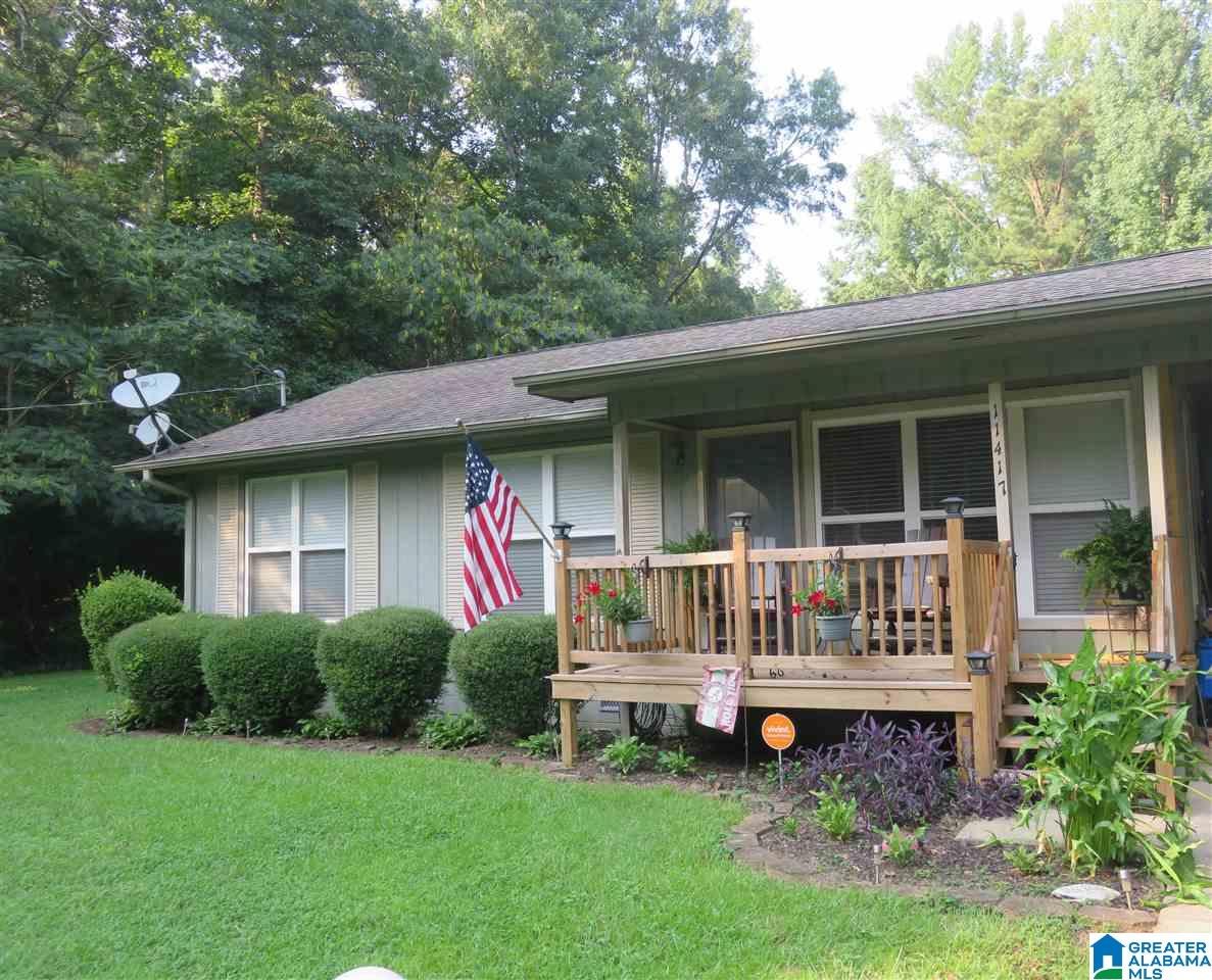 Updated 3-Bedroom House In Woodland Lake Shores
