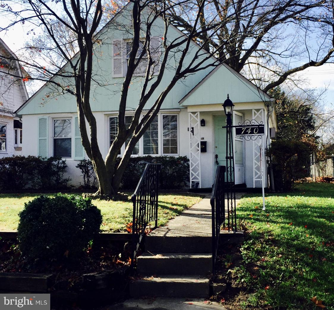 Renovated 4-Bedroom House In Collingdale