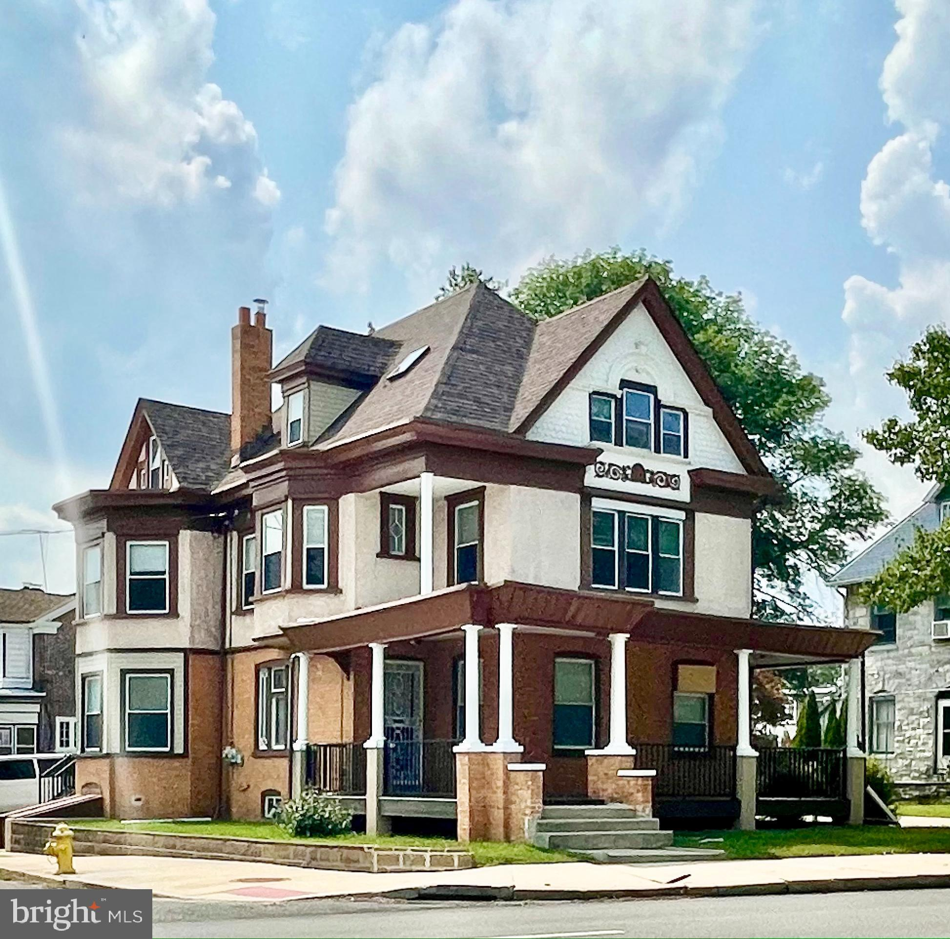 Refinished 8-Bedroom House In Academy Hill