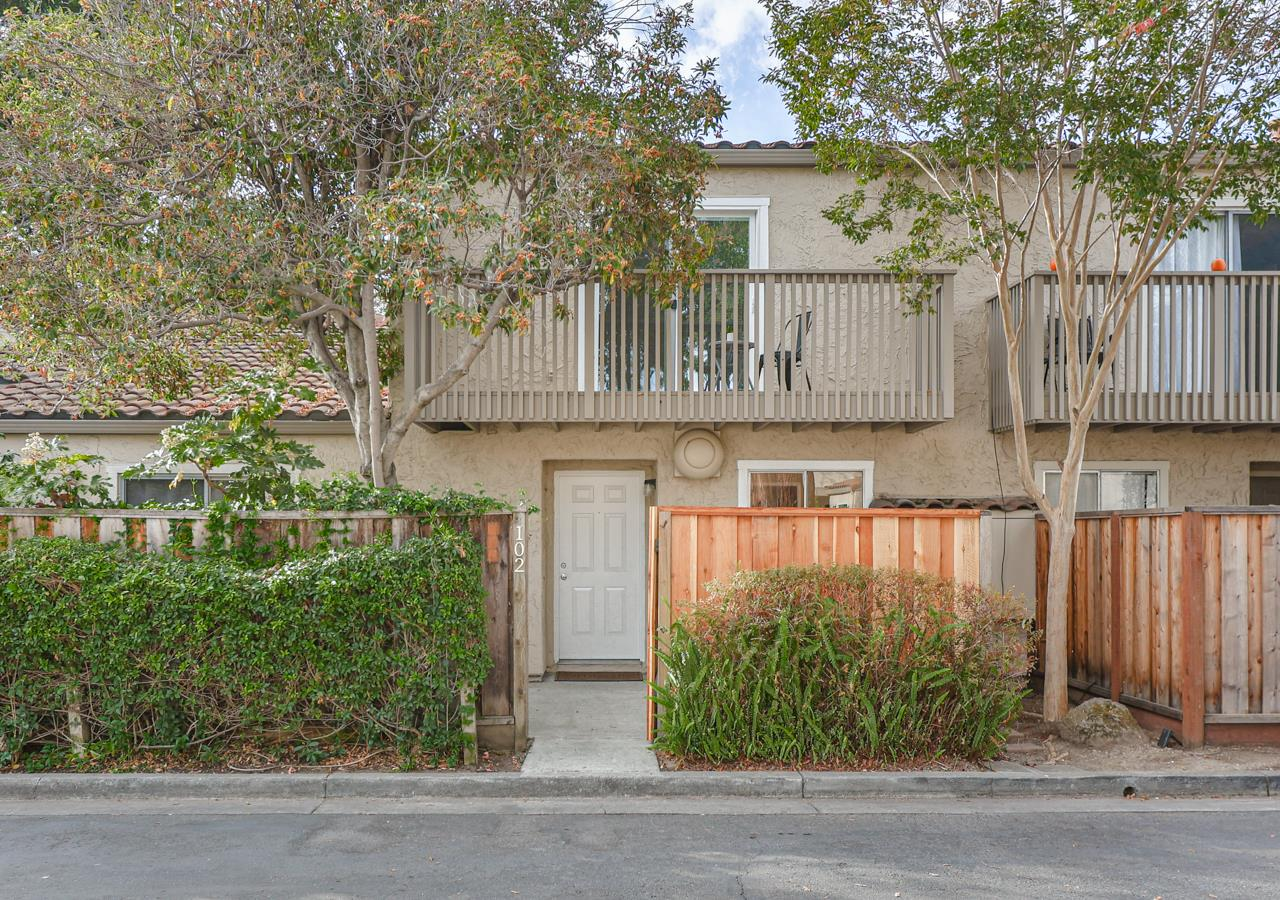 Updated 2-Bedroom House In East Palo Alto