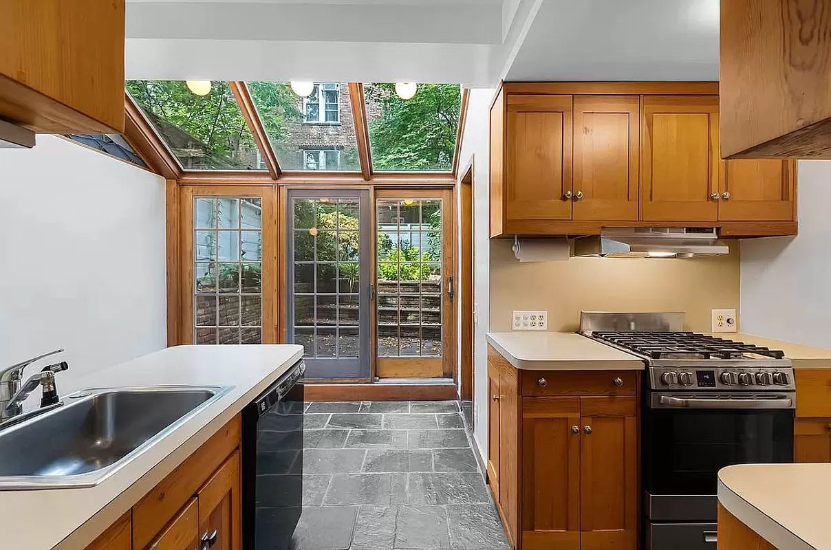 Private Townhouse With Garden