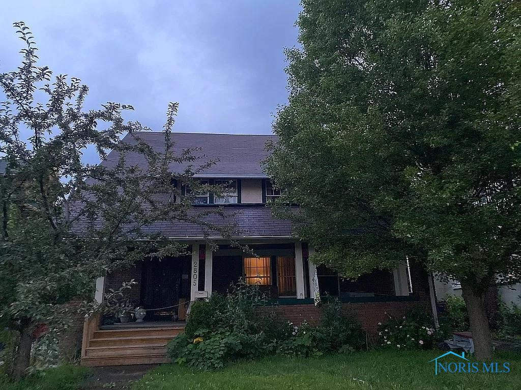 Updated 6-Bedroom House In Old West End