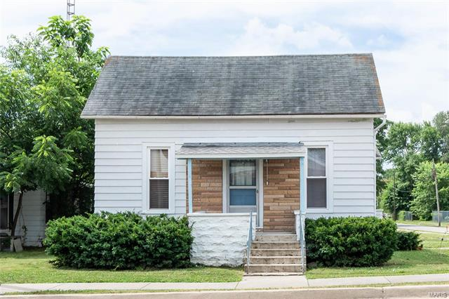 Updated 1-Bedroom House In Duquoin