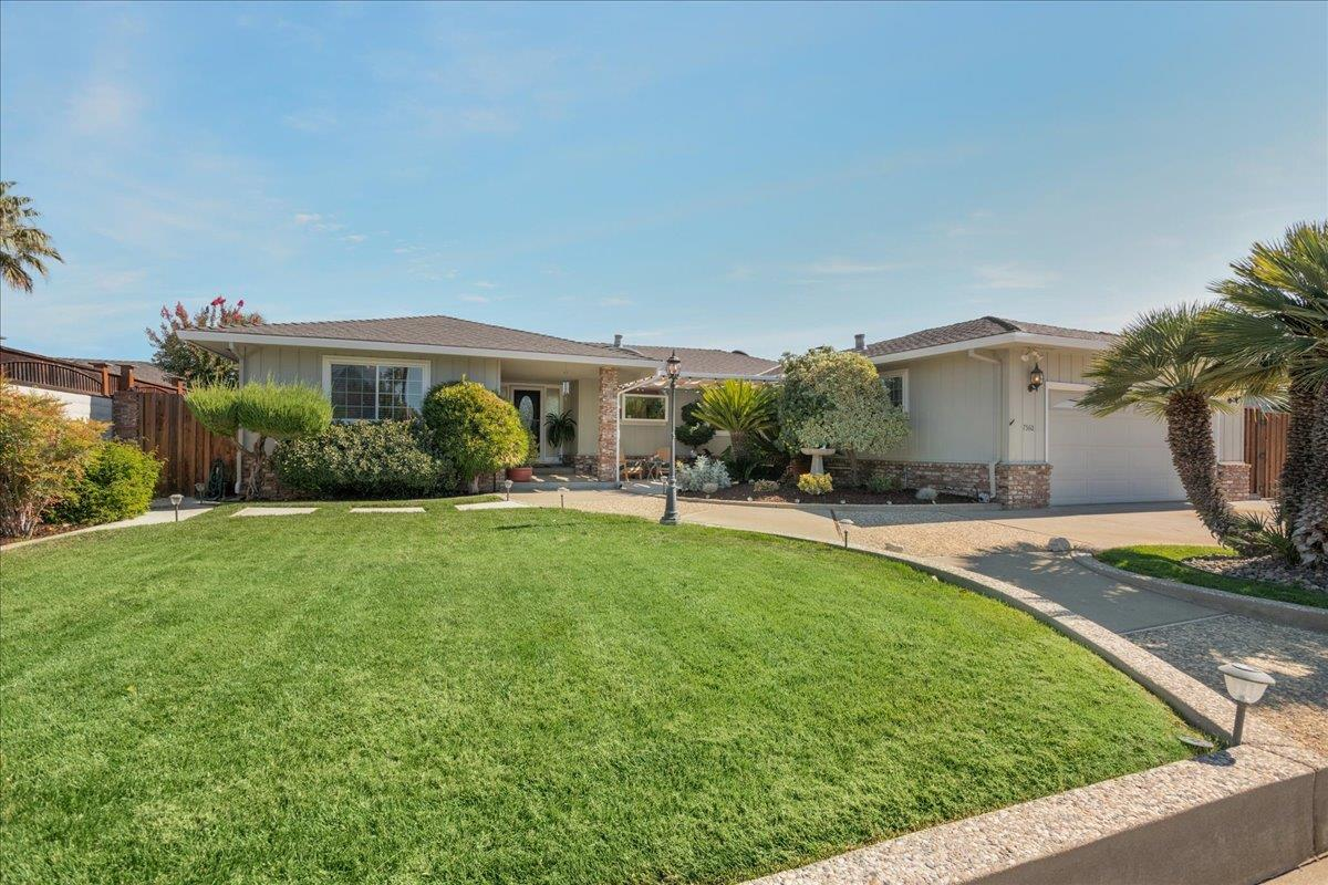 Updated 3-Bedroom House In Westwood Acres