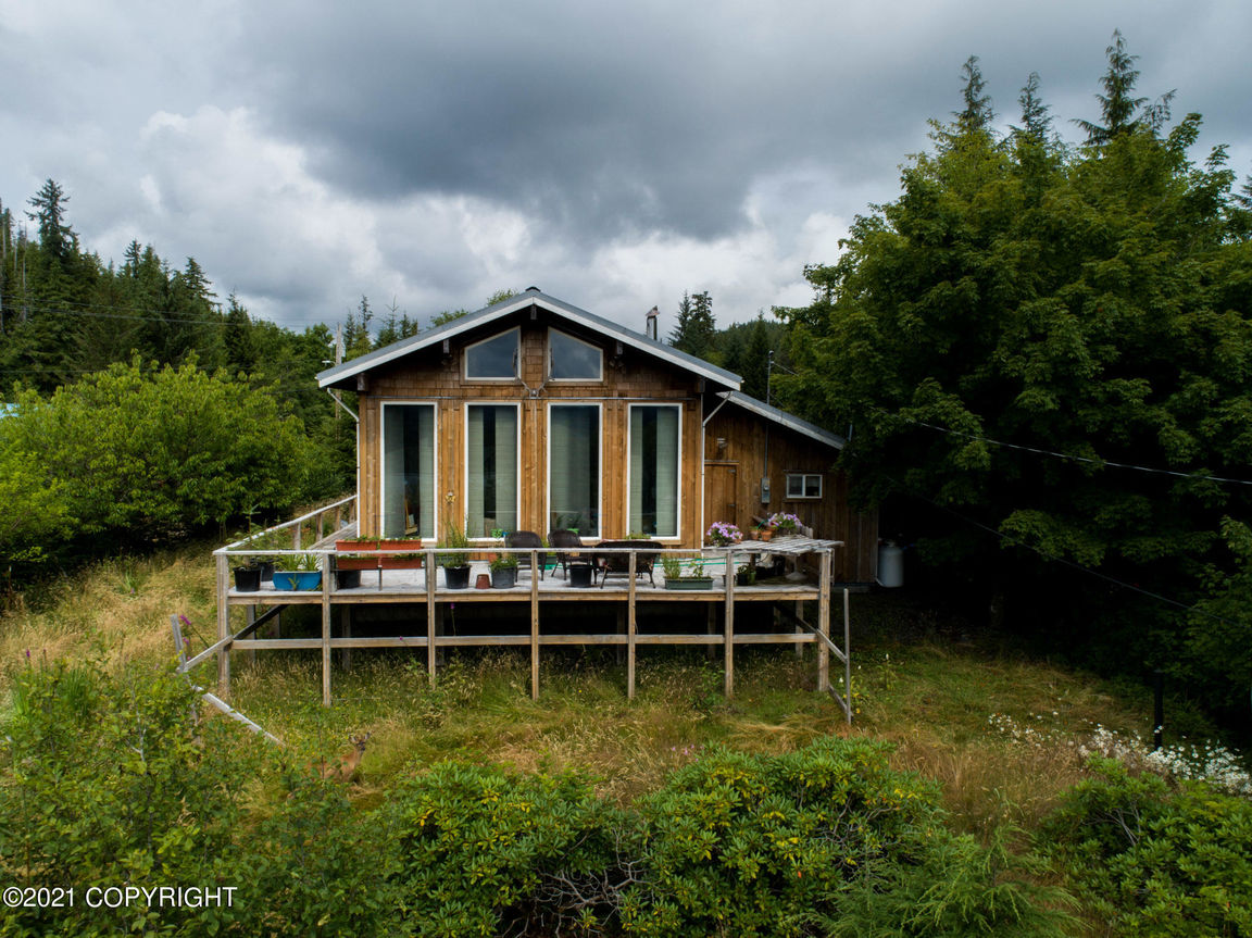 House In Thorne Bay