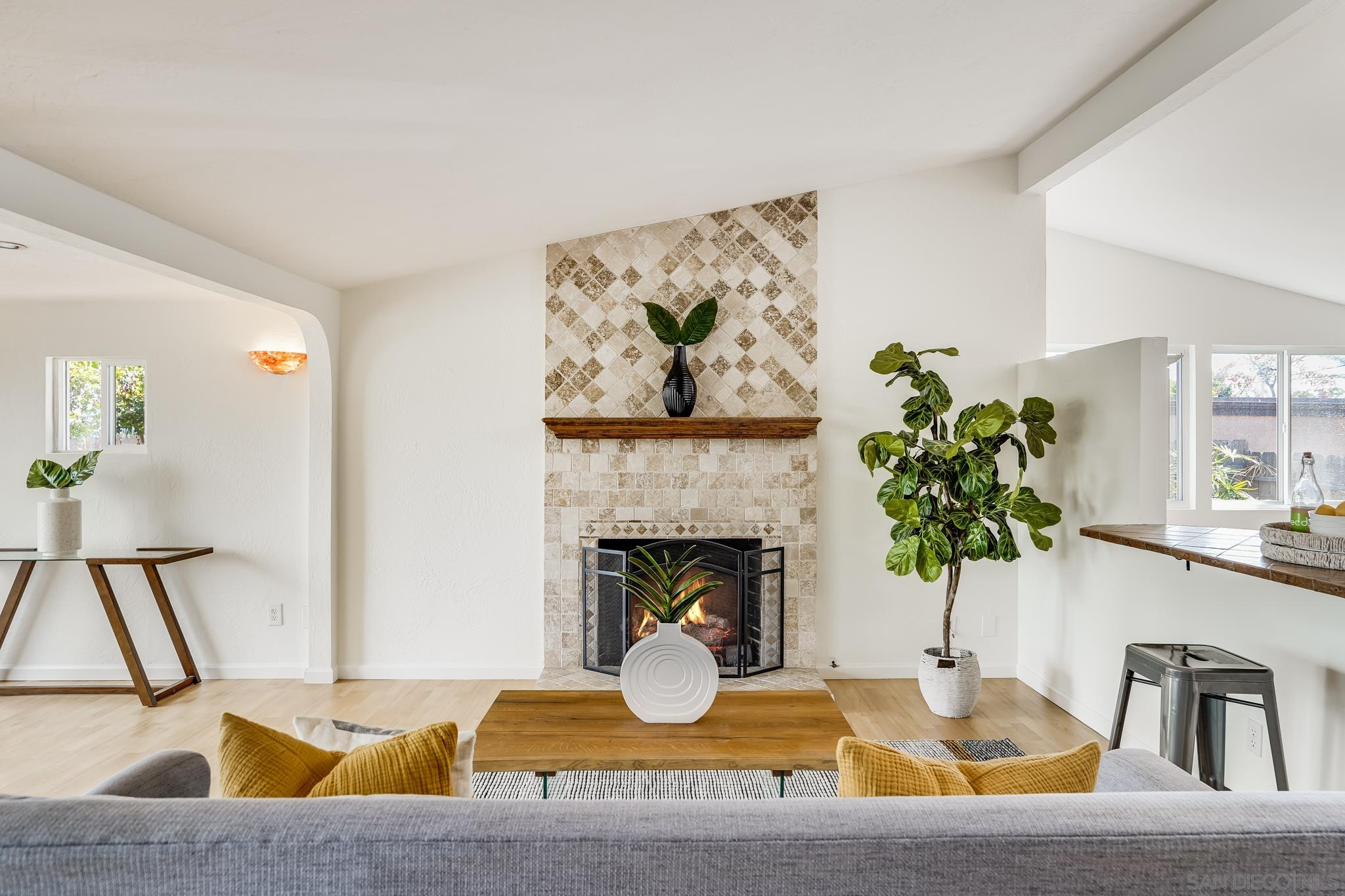 Private House With Fireplace
