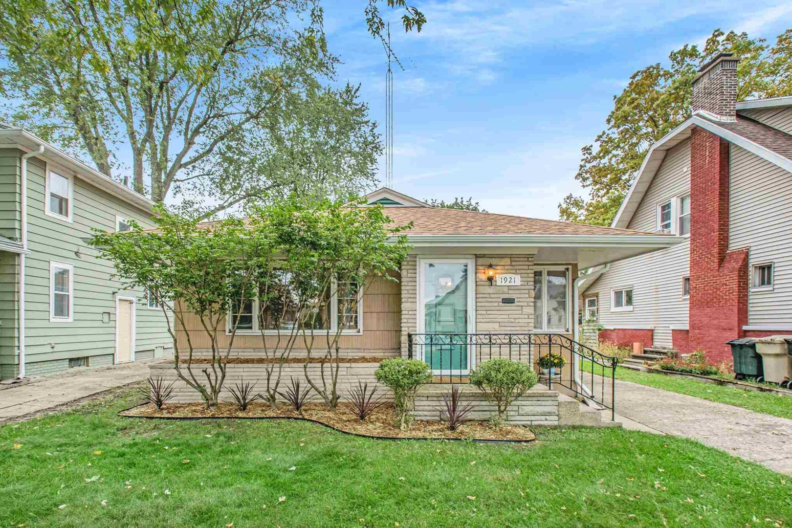 2-Bedroom House In Woodlawn