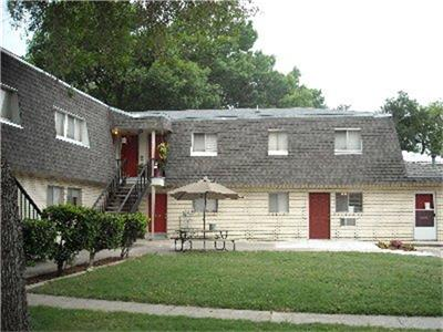 1-Bedroom House In Westwood Apartments