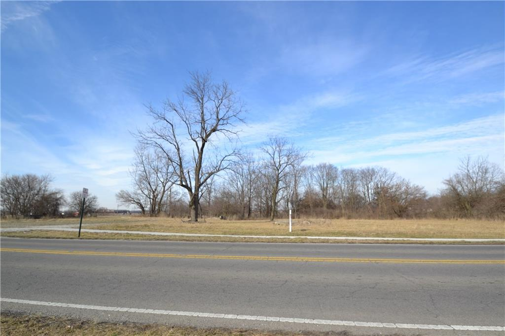 Lot In Greenfield