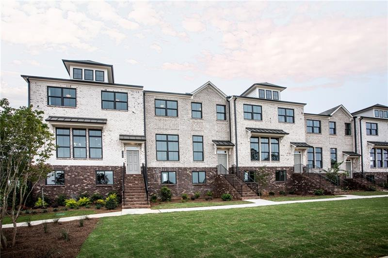 Upgraded 4-Bedroom Condo In Roswell