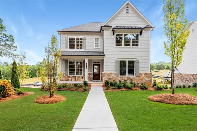 Luxurious 5-Bedroom House In Scottdale