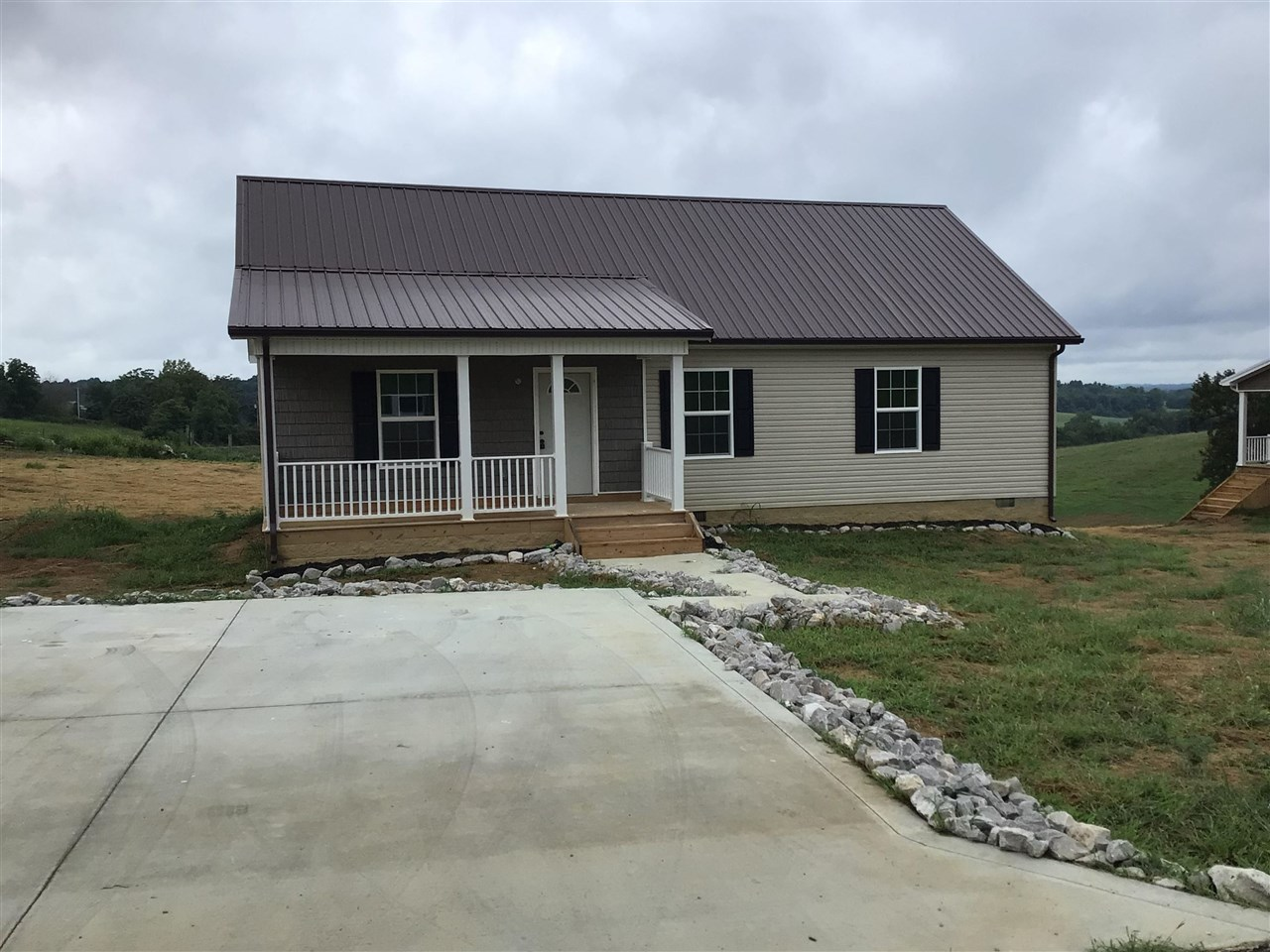 1288 SqFt House In Tompkinsville