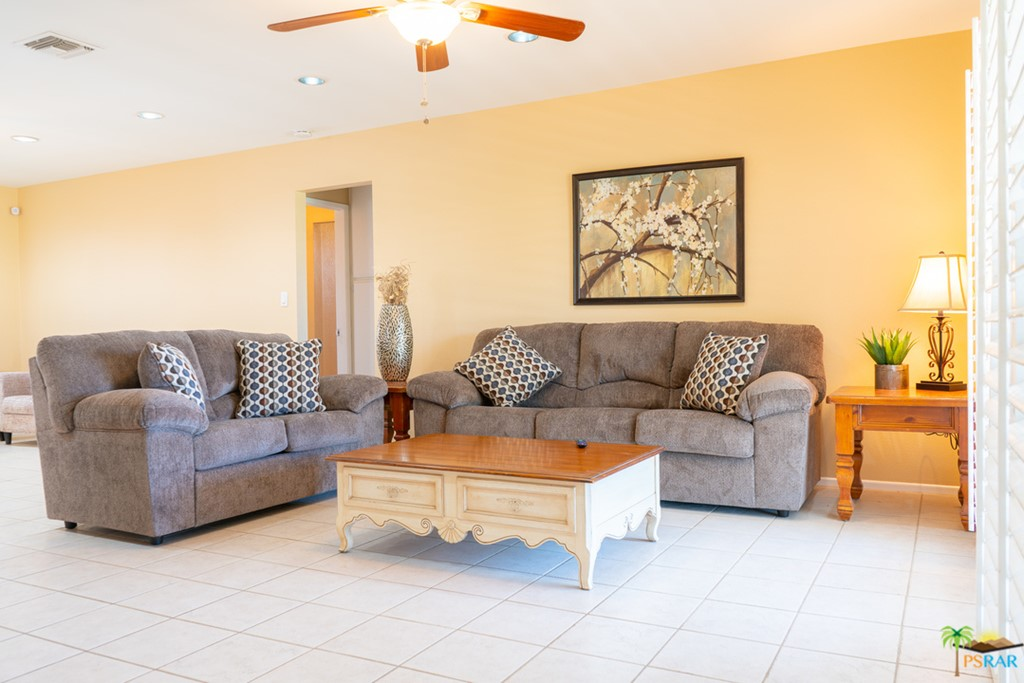 1734 SqFt House In Mission Lakes Country Club