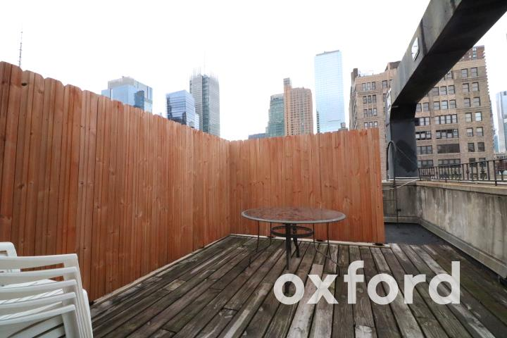 Renovated 2-Bedroom Townhouse In Hell S Kitchen