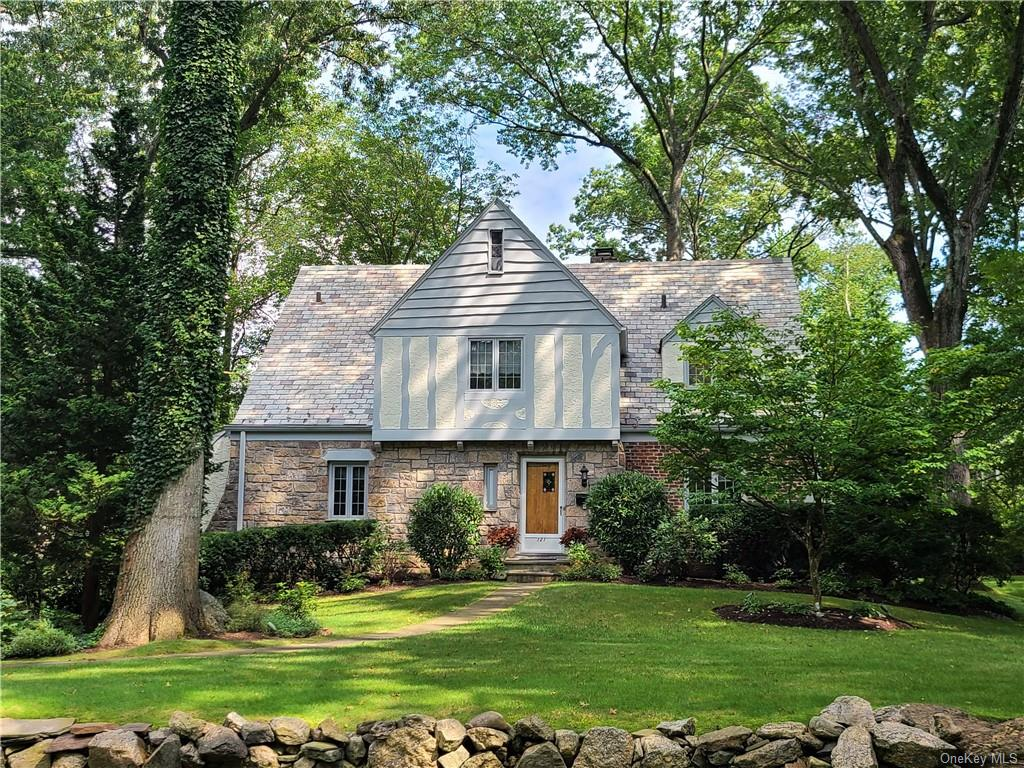 Renovated 5-Bedroom House In Bonnie Crest