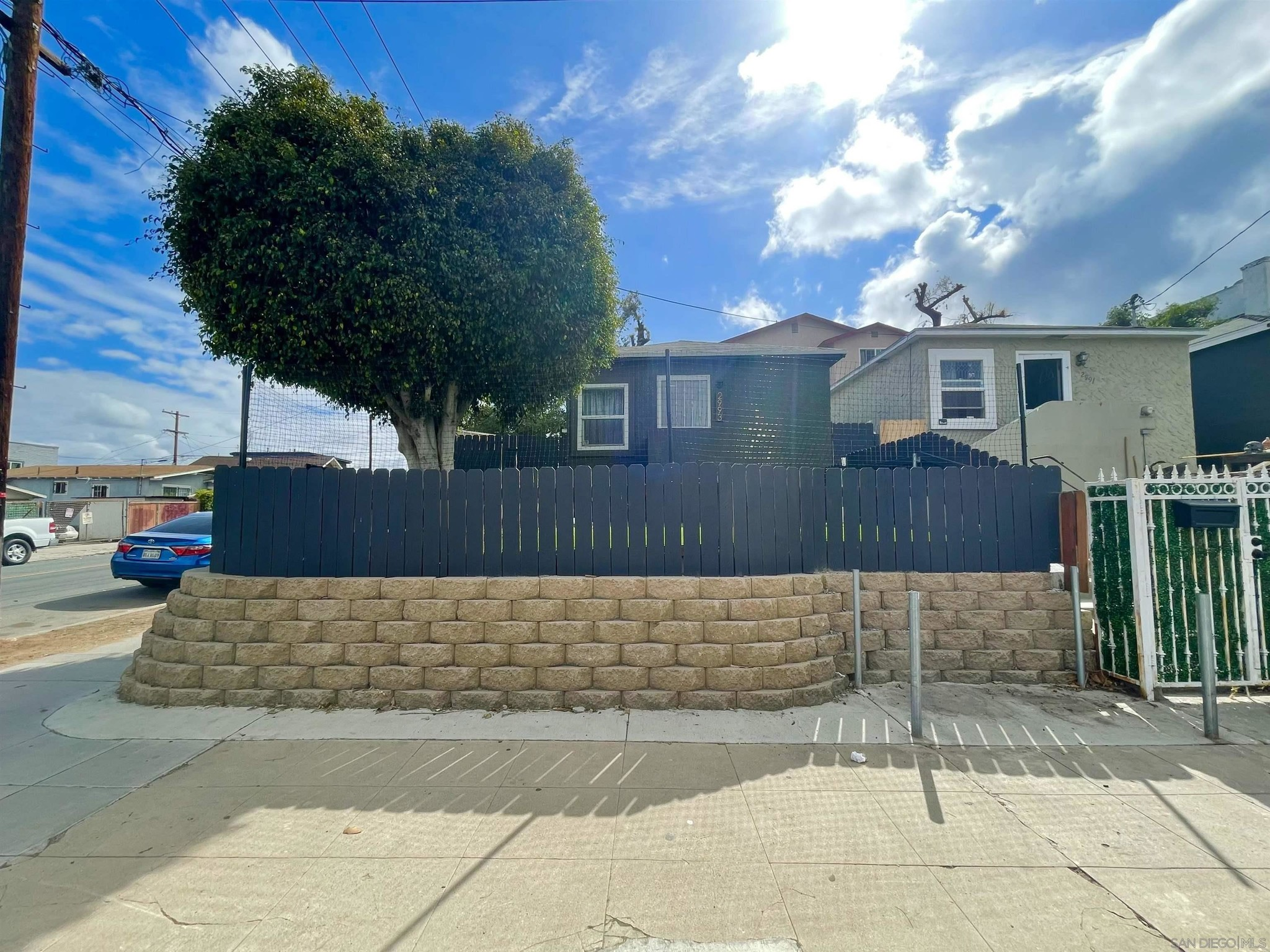 Upgraded 1-Bedroom House In Logan Heights