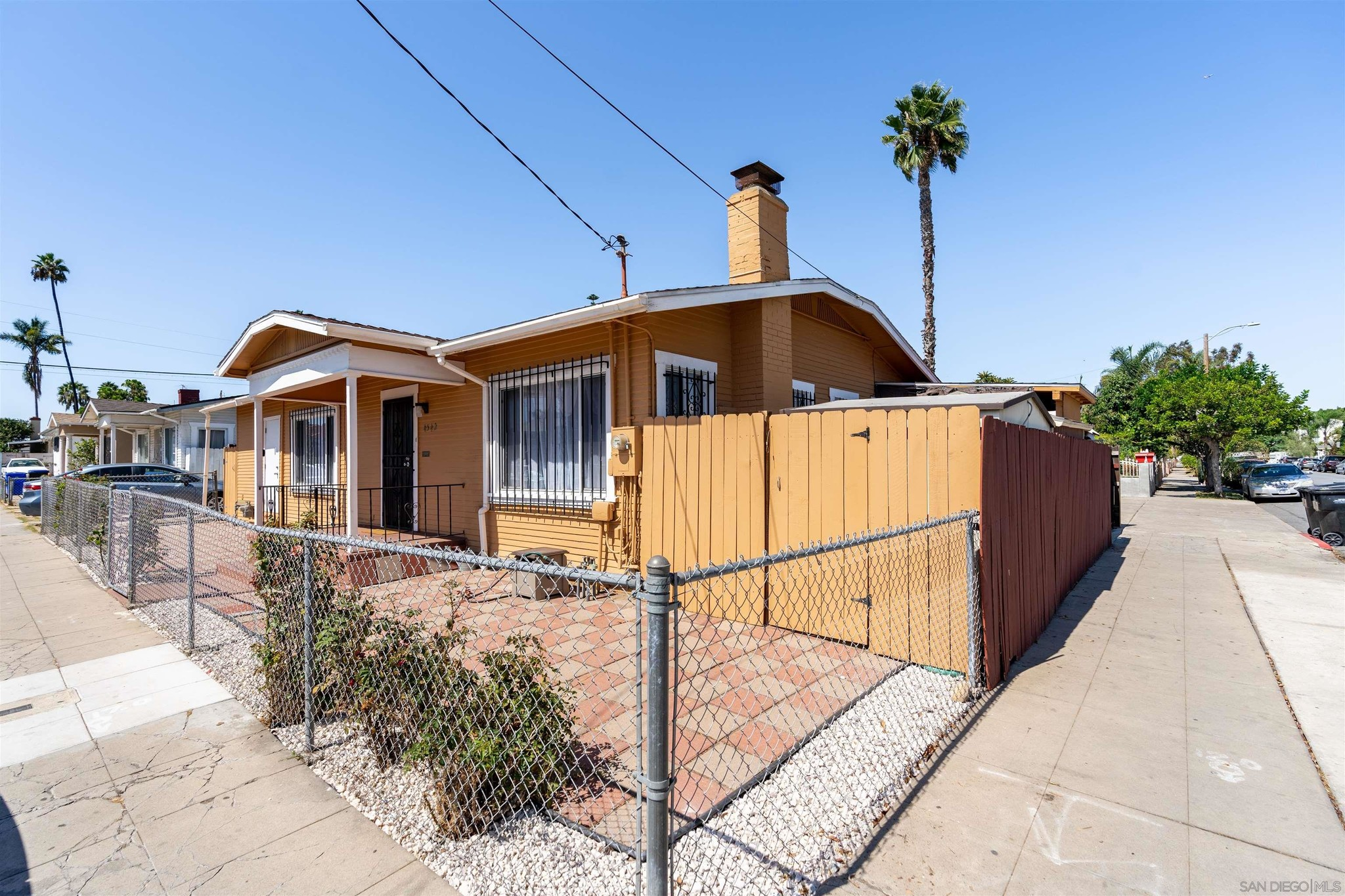 Upgraded 3-Bedroom House In City Heights