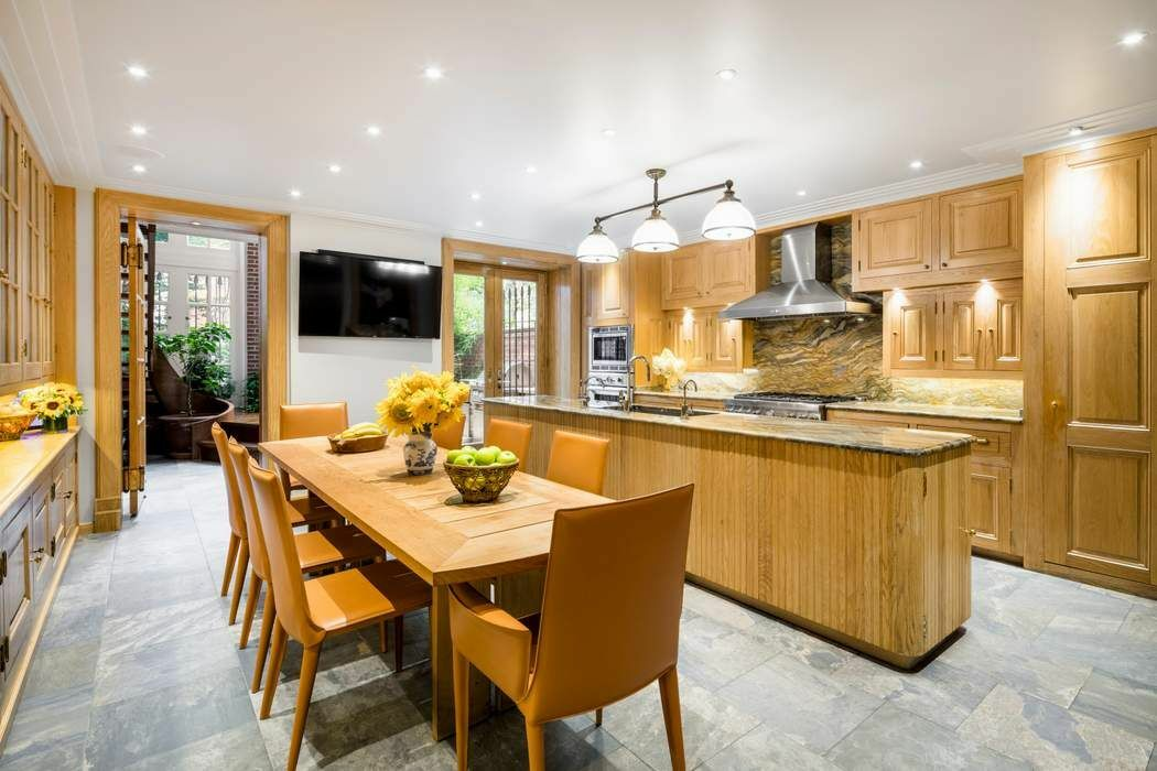 Renovated 6-Bedroom House In Upper West Side