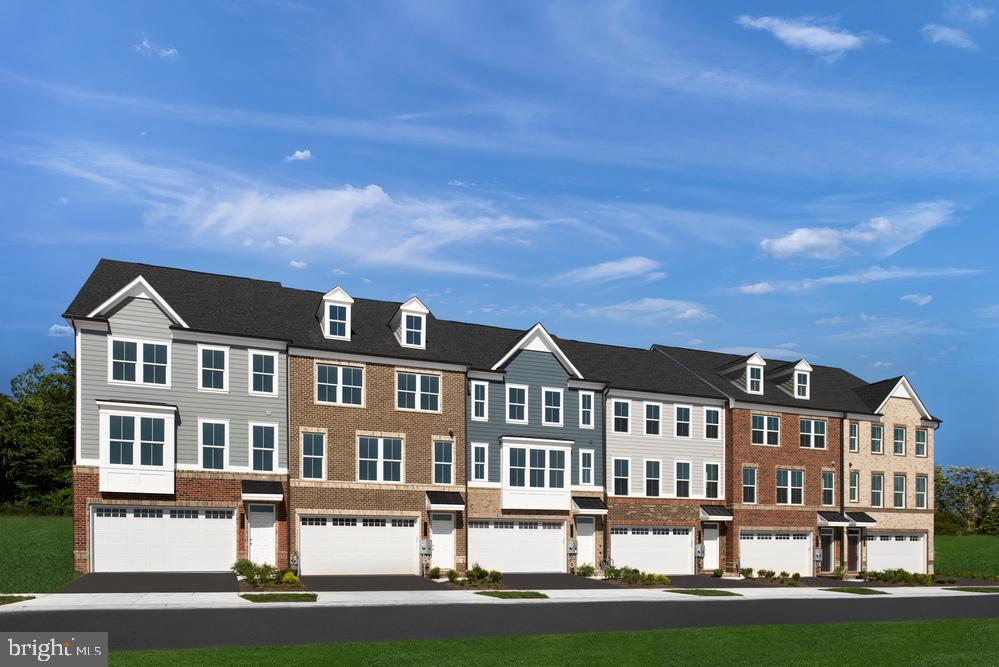 Upgraded 3-Bedroom Townhouse In Middle River