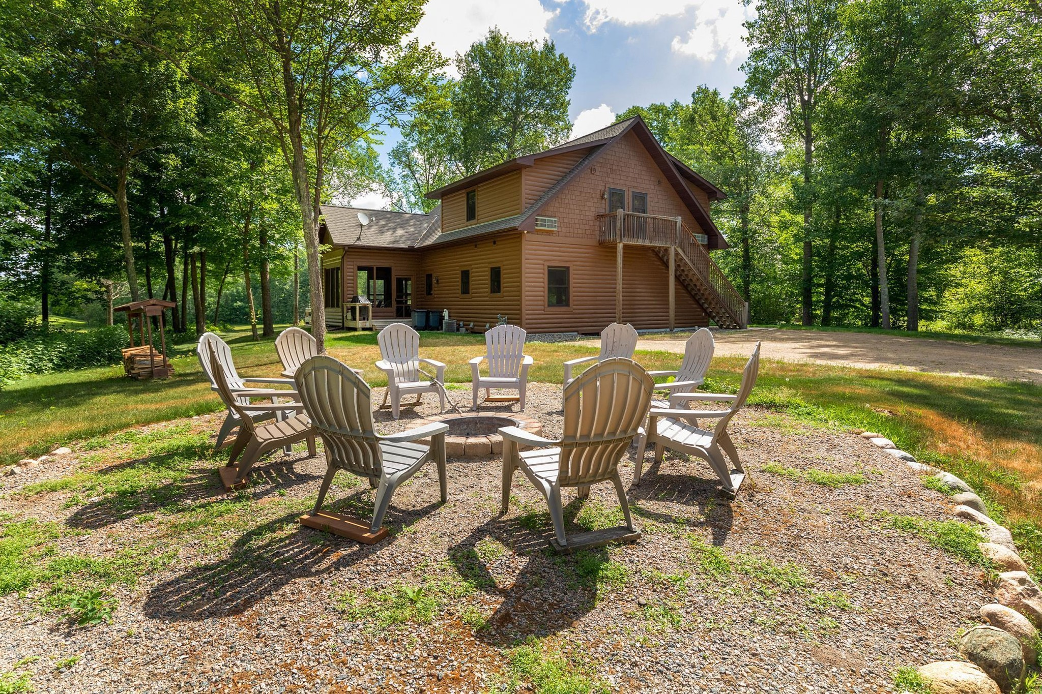 4-Bedroom House In Fifty Lakes