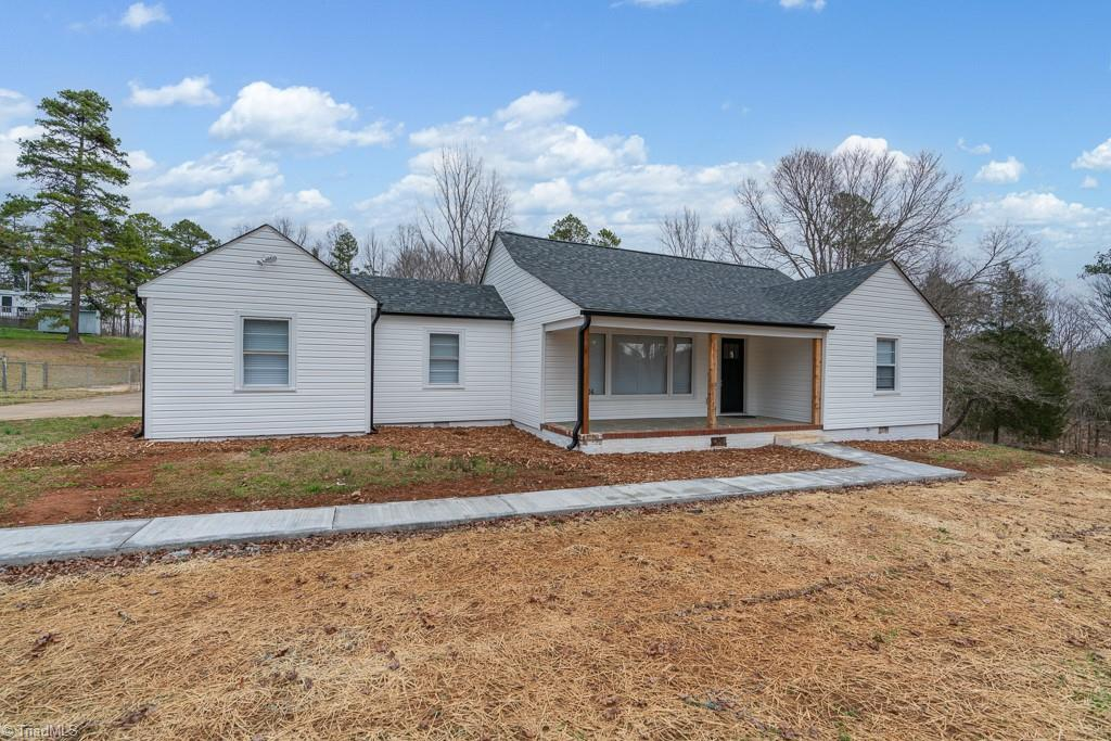 Refinished 3-Bedroom House In Trinity
