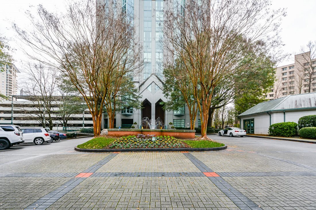 Remodeled 2-Bedroom Condo In Peachtree Heights West