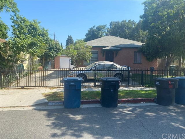 2090 SqFt House In Paramount