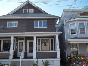 3-Bedroom House In Summit Hill