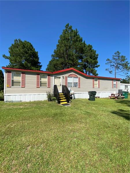 3-Bedroom House In Lakeview Drive Mobile Home Park
