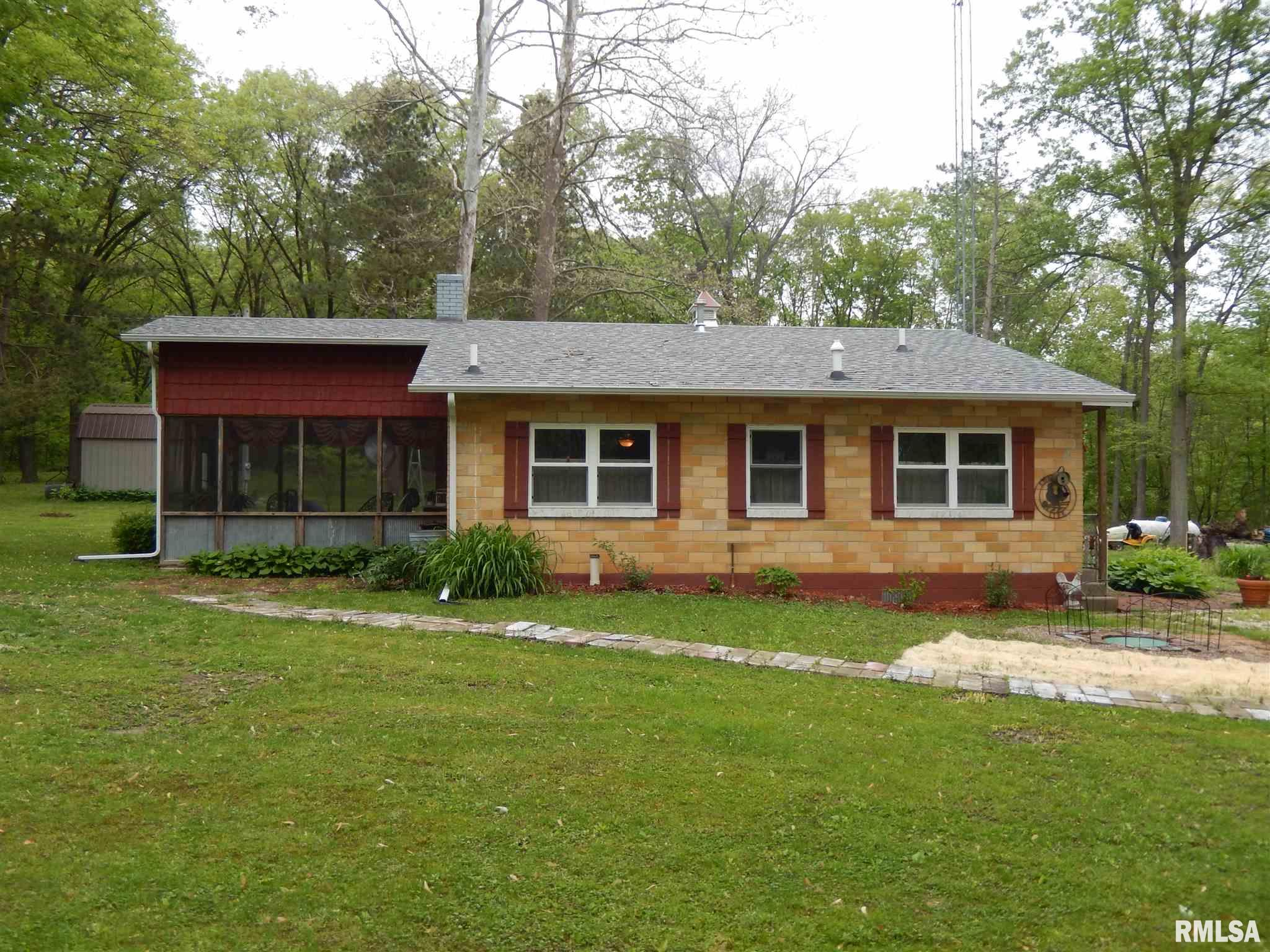 Remodeled 1-Bedroom House In Colchester